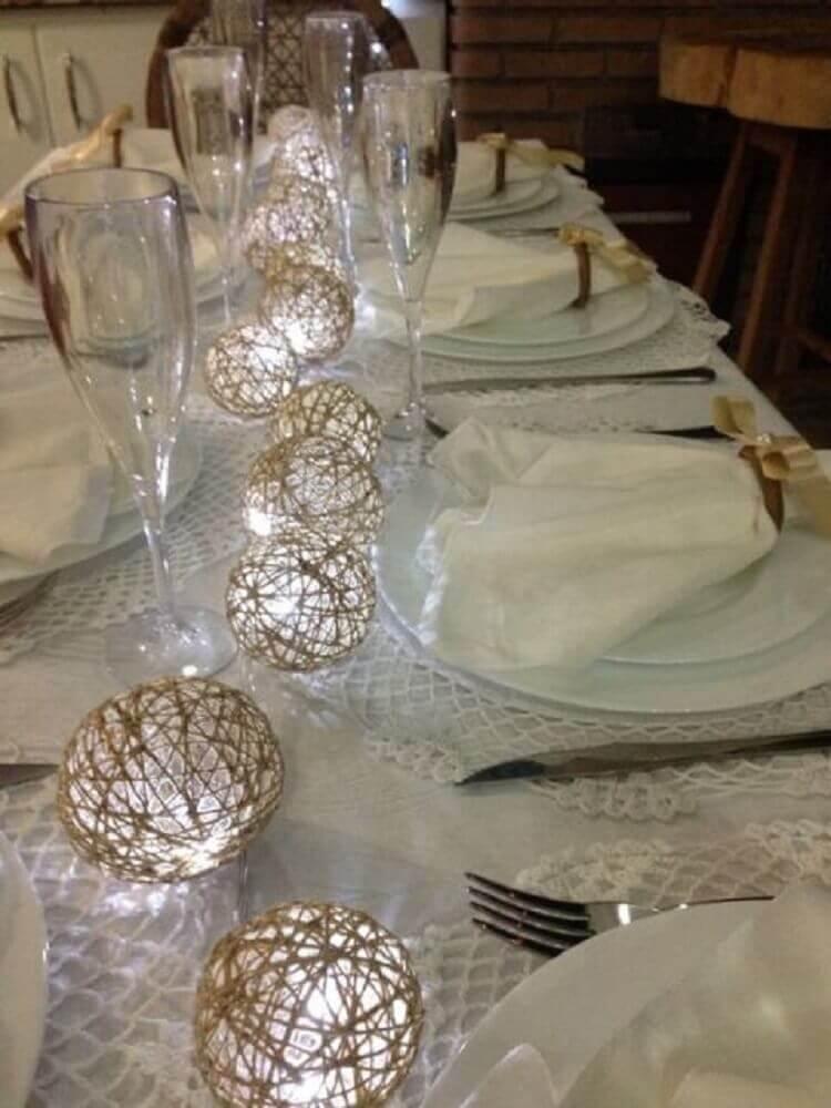 decoração de mesa com luminária de barbante