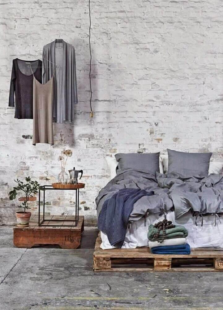 decoração quarto rústico com cama de paletes