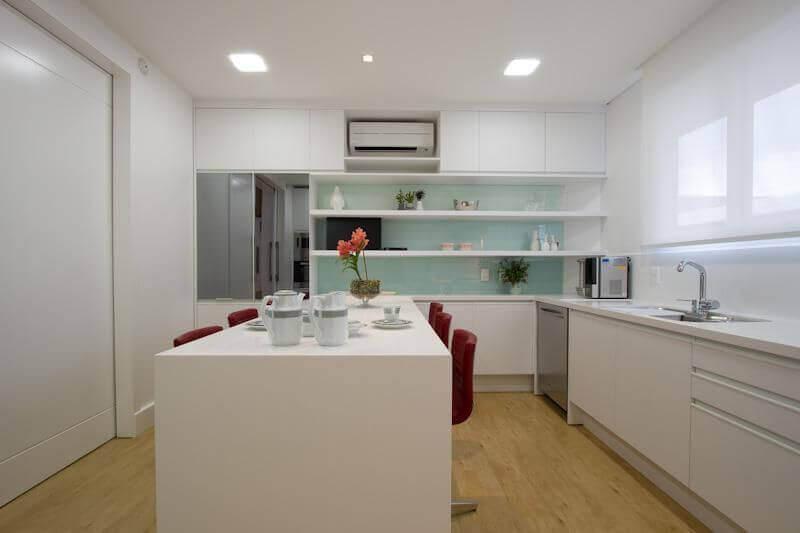 Cozinha decorada bem clean