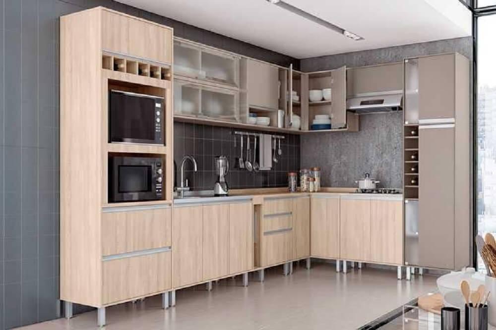 Cozinha planejada simples com adega