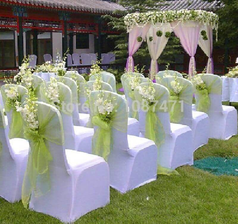Simple and inexpensive outdoor wedding decoration