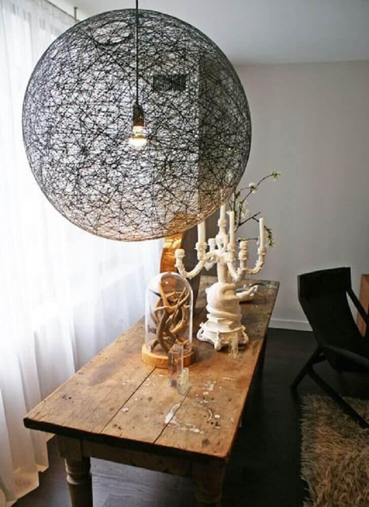 luminária preta de barbante