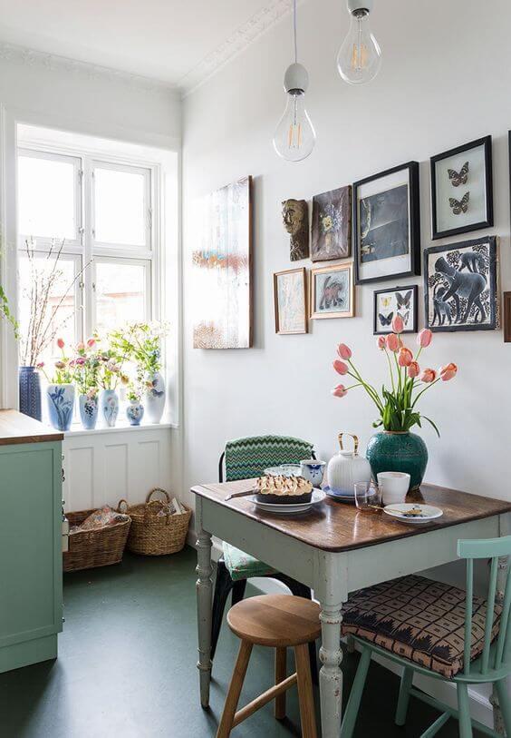Mesa de jantar em tons de verde