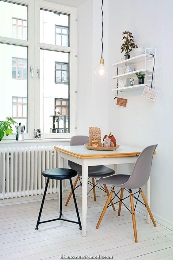 Mesa de jantar pequena para 2 lugares