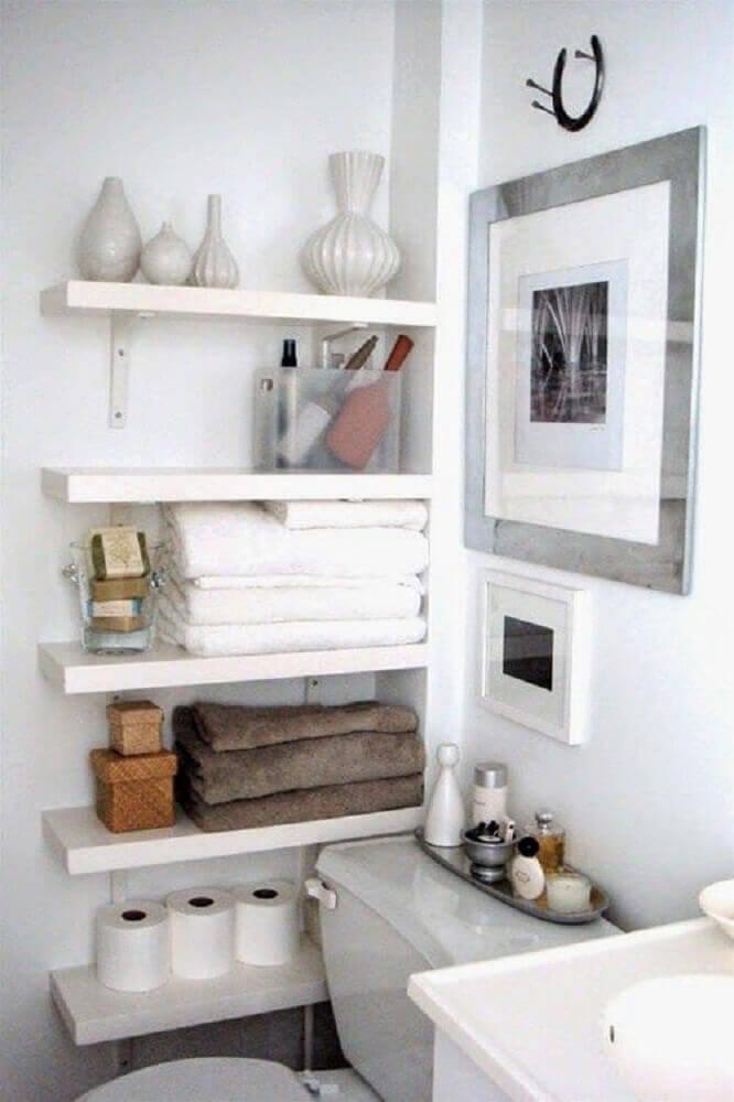 prateleiras para lavabo pequeno