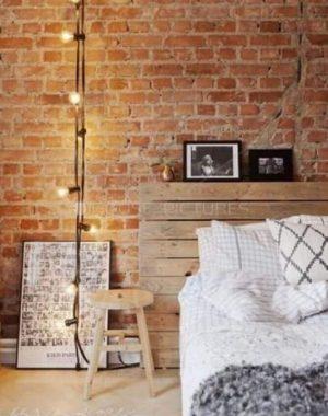 quarto com textura tijolinho