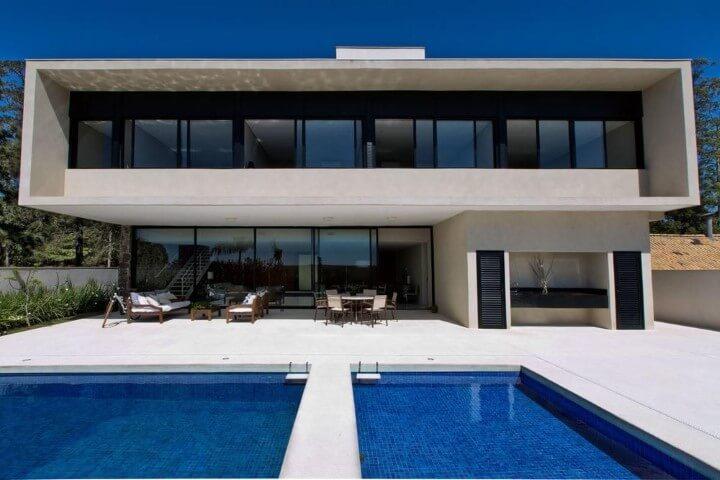 Área de lazer com piscina Projeto de Daniela Berardinelli