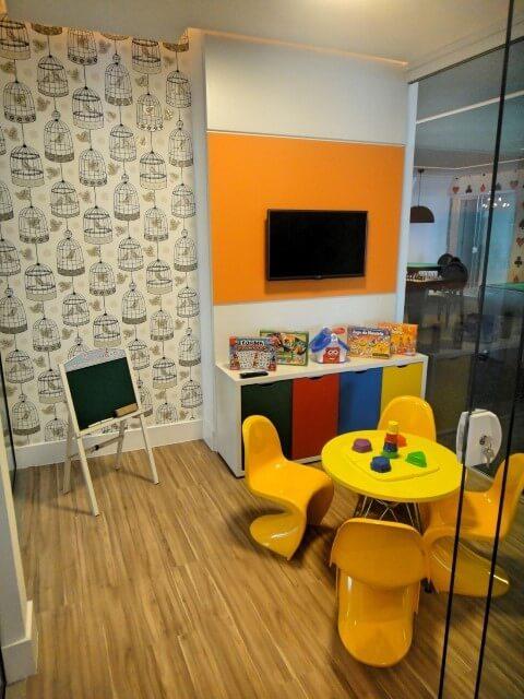 Área de lazer com sala de recreação Projeto de Gabriela Herde