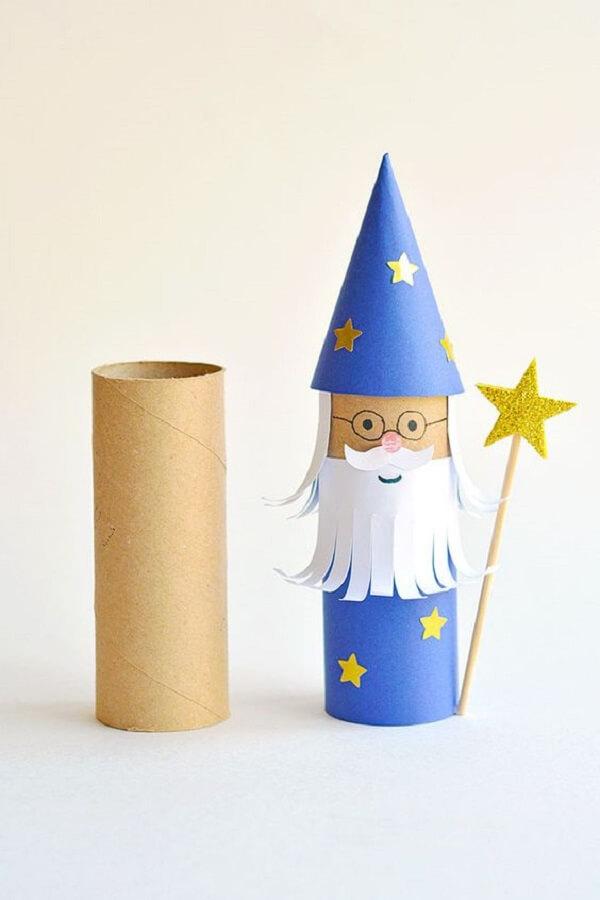 A magia está no ar com esse lindo enfeite de artesanato com rolo de papel higiênico. Fonte: Pinterest