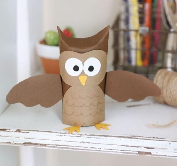 As corujas podem ser feitas com rolo de papel higiênico. Fonte: Pinterest