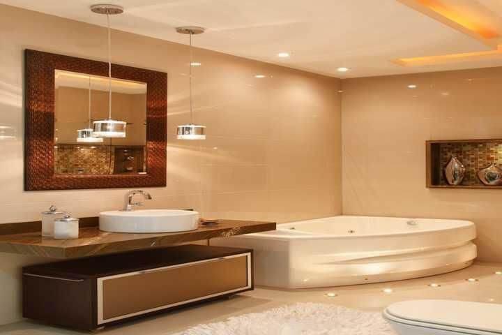 Banheiro de luxo com hidromassagem Projeto de Madeira Madeira