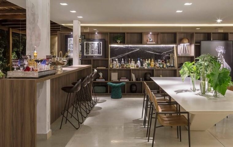 Bar em casa grande Projeto de Casa Cor Brasília 17