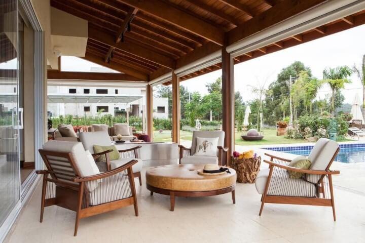 Casa com varanda à beira da piscina Projeto de Diptico