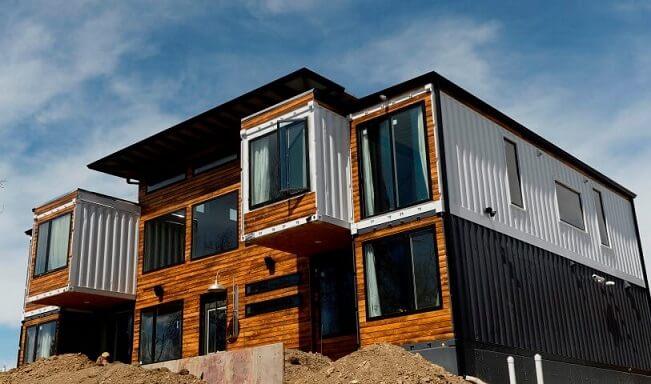 Casa container com madeira