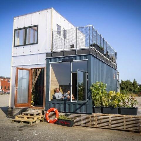 Casa container com mais de um containers