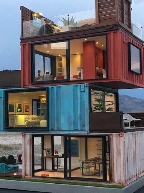 Casa container de três andares