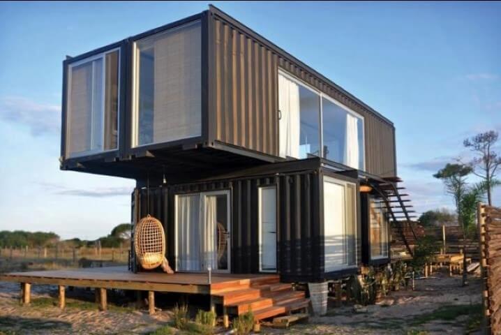 Casa container escura