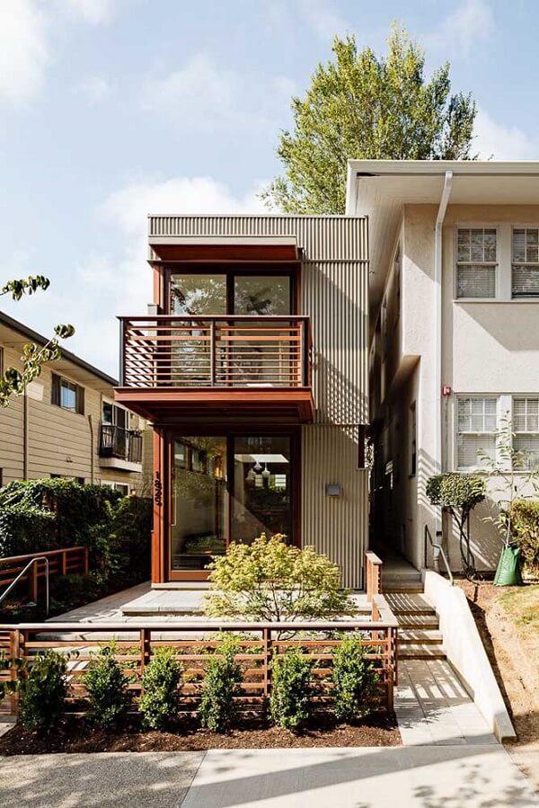 Casas simples feitas com container transpiram criatividade