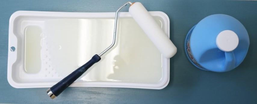 Como colar tecido na parede com bandeja e cola