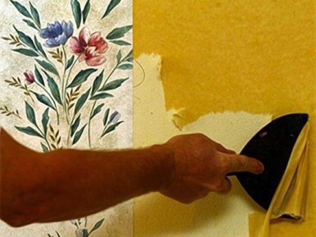 Como tirar papel de parede com espátula