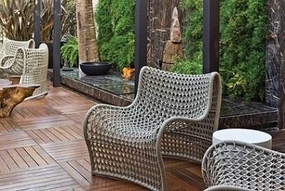 Deck de madeira no jardim Projeto de Artefacto