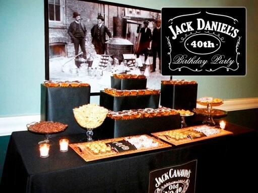 Decoração de aniversário simples masculino com tema Jack Daniels