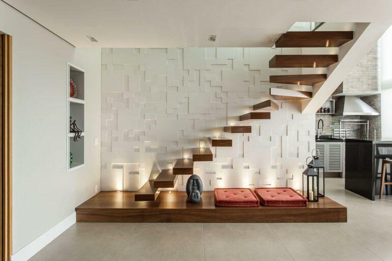 Modelos de escadas com iluminação embutida e revestimento 3D. Projeto de Karina Korn