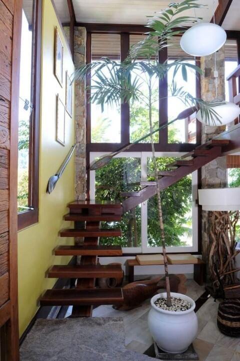 Modelos de escadas em L de madeira Projeto de Urbano Studio