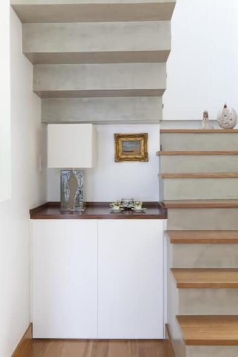 Modelos de escadas em U de cimento queimado com madeira Projeto de Porto Gomes