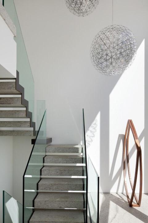 Modelos de escadas em U de mármore Projeto de Gisele Taranto