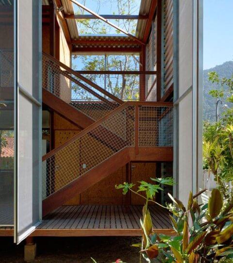 Modelos de escadas em U de madeira Projeto de Andrade Morettin