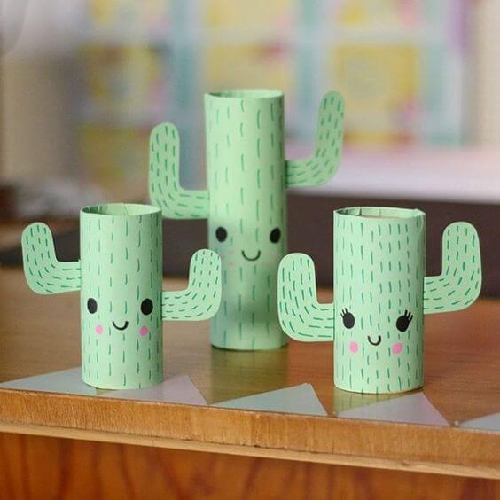 Os cactos feito de artesanato com rolo de papel higiênico fazem muito sucesso com o público. Fonte: Pinterest