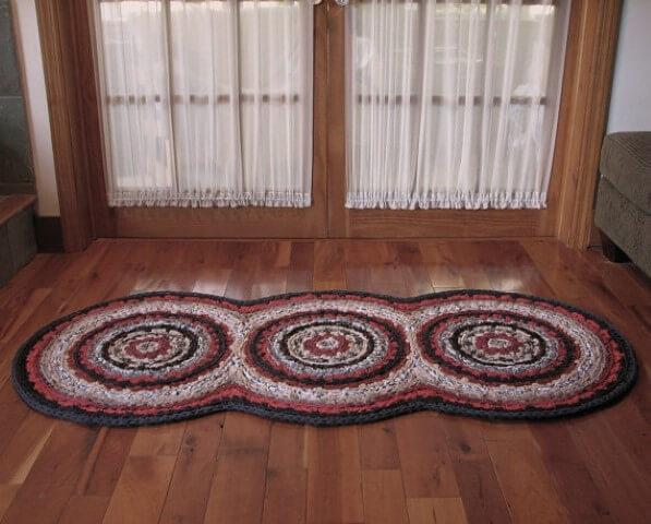 Passadeira de crochê com círculos