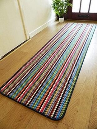 Passadeira de crochê com listras horizontais coloridas