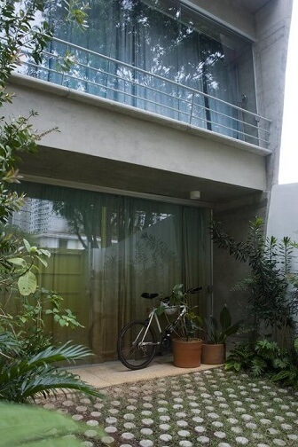Porta de correr de vidro para área externa Projeto de Arq Donini