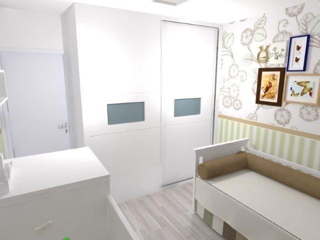 Quarto planejado de bebê com guarda-roupa planejado Projeto de Daniel Asaad