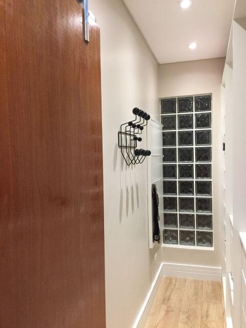 Tijolo de vidro em closet Projeto de Marcia Rubinatti
