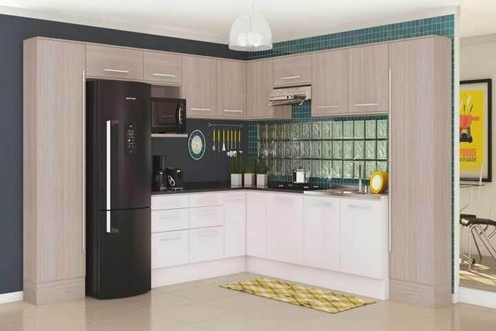 Tijolo de vidro em cozinha planejada Projeto de Madeira Madeira