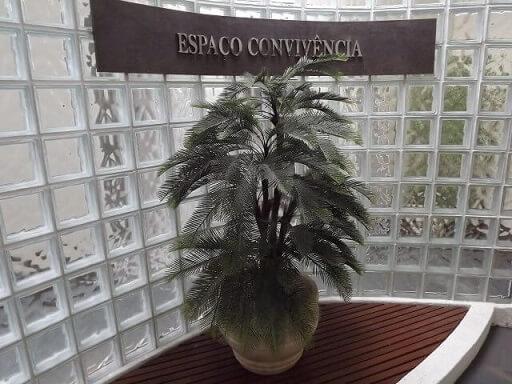 Tijolo de vidro em espaço comercial Projeto Everton Cordeiro