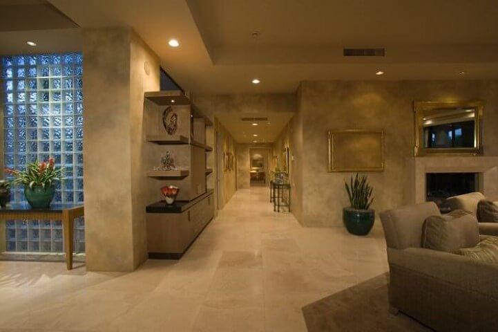 Tijolo de vidro em sala de estar