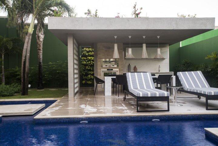 Varanda com churrasqueira com piscina Projeto de Rodrigo Maia