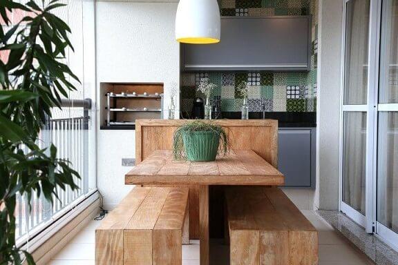 Varanda com churrasqueira pequena Projeto de Meyer Cortez