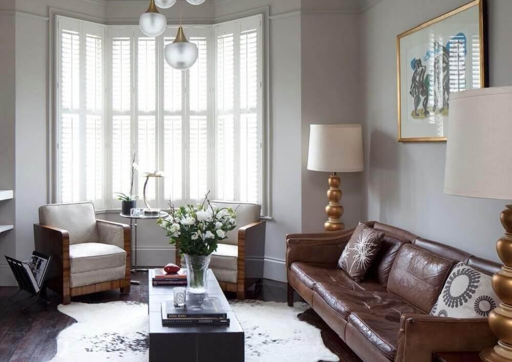 modelos de almofadas para sofá marrom