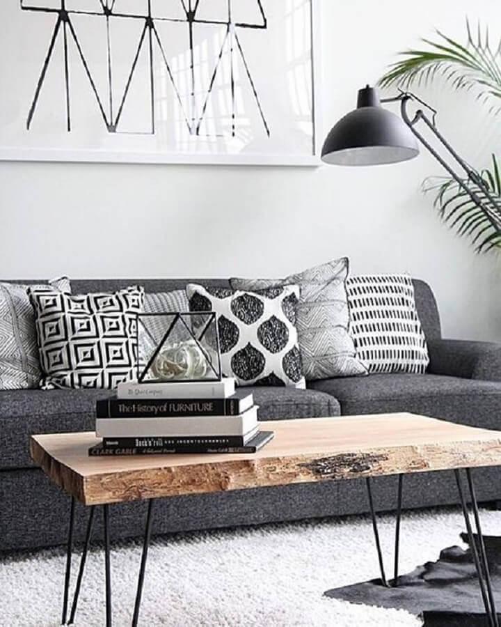 almofadas estampadas para decoração de sala com sofá cinza  Foto Simples Decoração