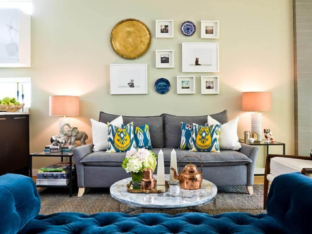 almofadas estampadas para sofá cinza