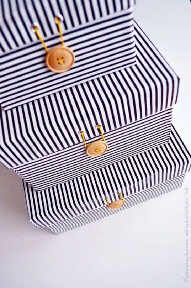 artesanato com caixa de sapato encapada