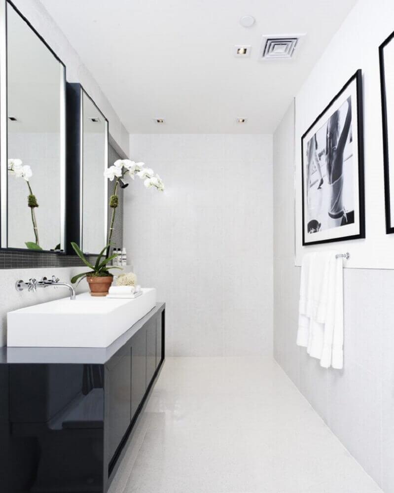 banheiro preto e branco minimalista