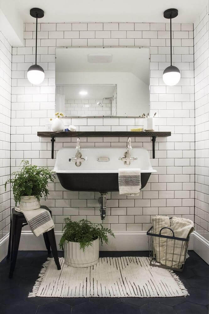 banheiro preto e branco vintage