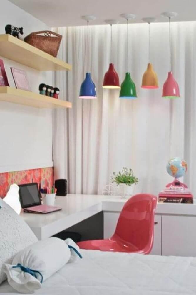 coloridas luminárias para quarto