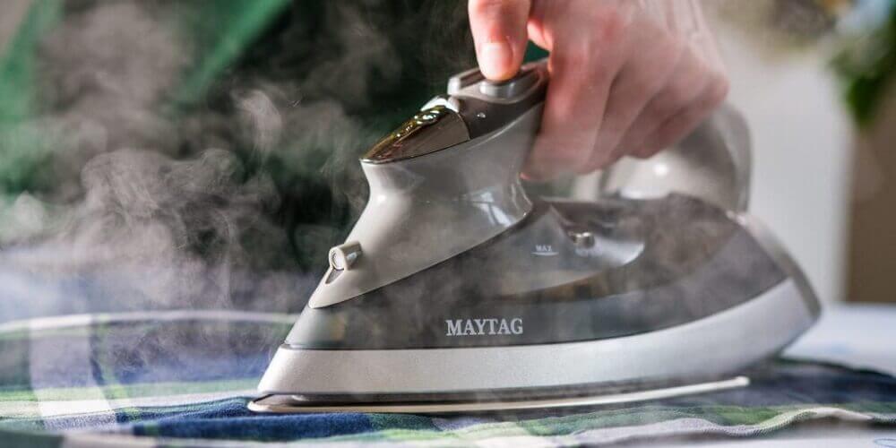 como limpar ferro a vapor